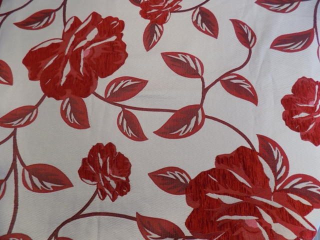 Esencia Rojo Latime material: 280cm Compozitie 100% poliester